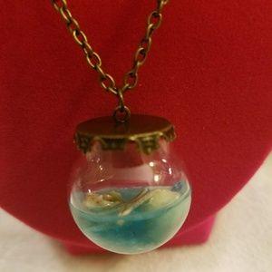 Jewelry - 🐌Ocean Life ( In A Globe)